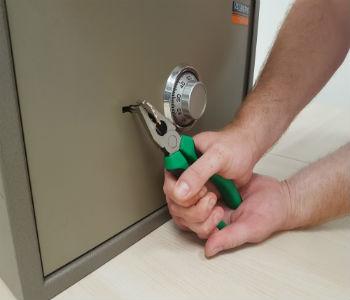 как вскрыть сейф
